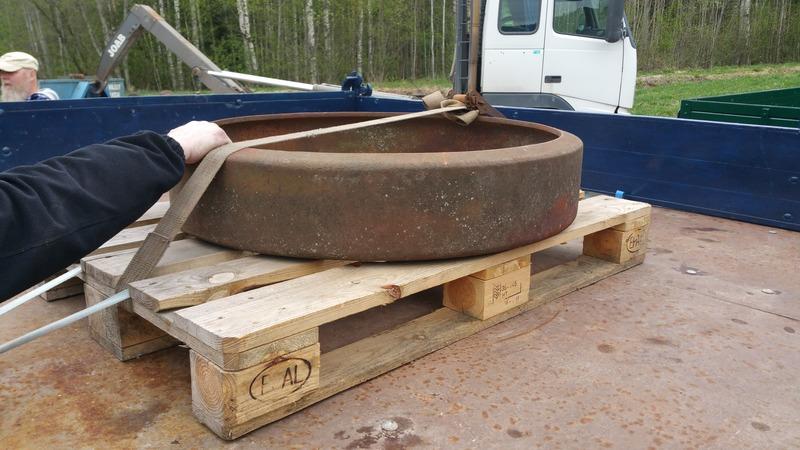 """""""Slitbana"""" av järn som användes under kriget då det var brist på gummidäck"""